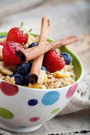 les céréales non raffinées sont riches en fibres.