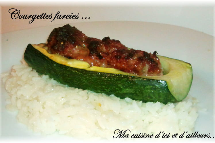 Courgettes farcies aux épices et riz