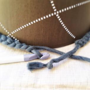réaliser une chaînette avec la corde de moine