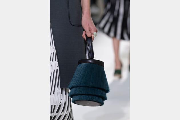 Le sac bourse rigide du défilé Hermès
