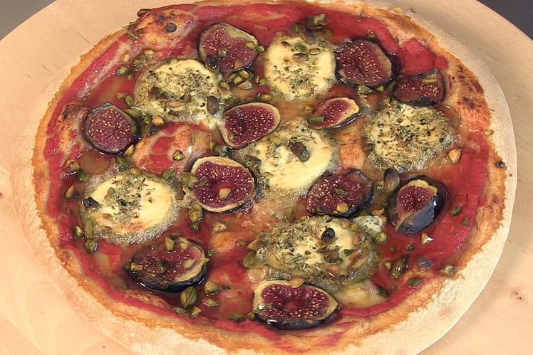 Pizza chèvre, figues, pistaches et miel