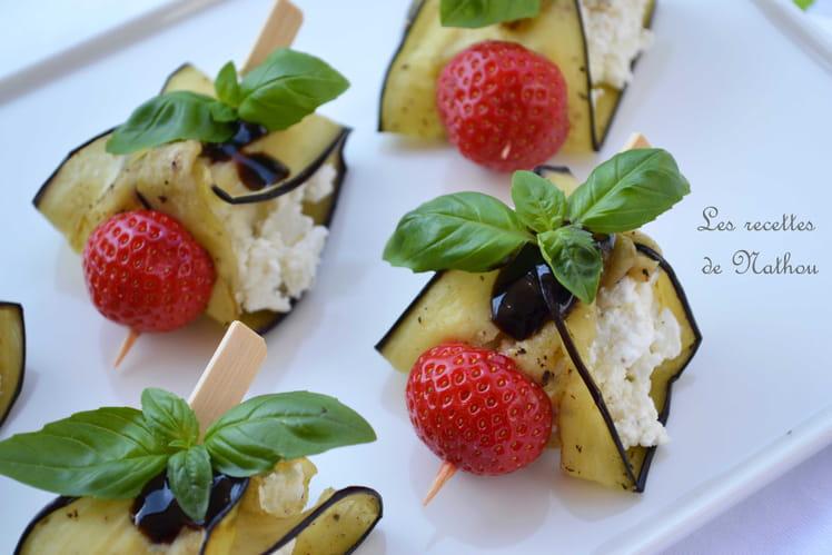 Ballotins d'aubergine au chèvre frais, fraises et crème de balsamique
