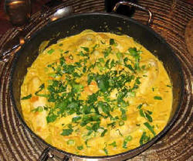 Poulet au lait de coco et poivrons - Poulet au curry et lait de coco ...