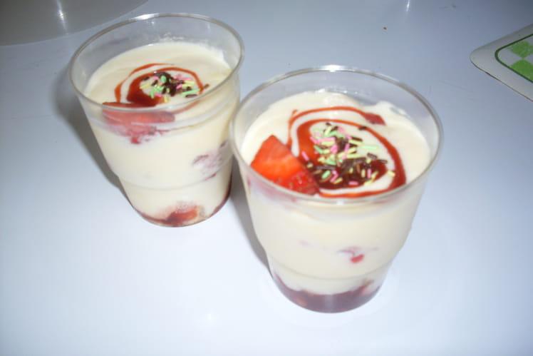 Tiramisu au fraises en verrine