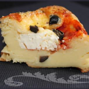 moelleux aux olives, coeur de tomate et feta