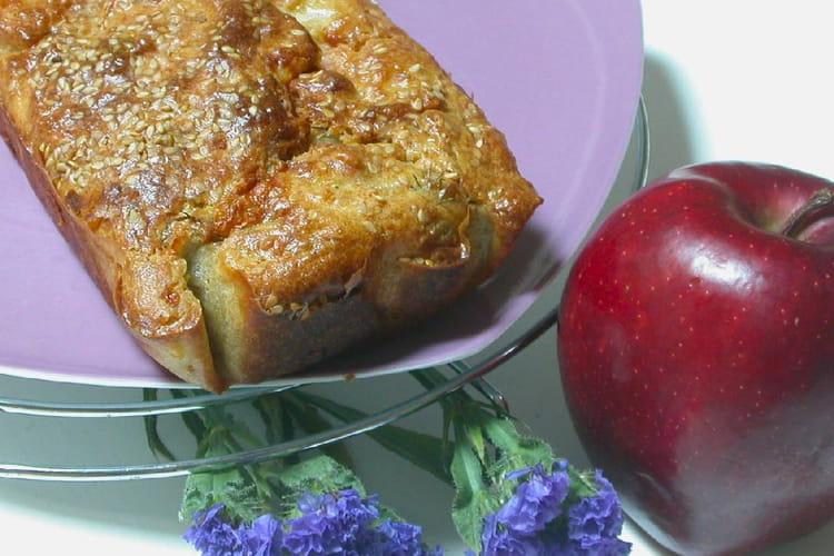 Cake au saumon, chèvre et pomme