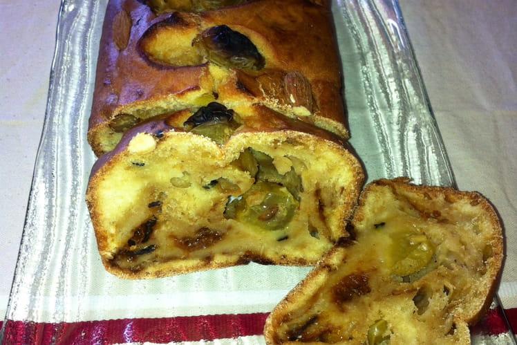 Cake aux abricots et raisins