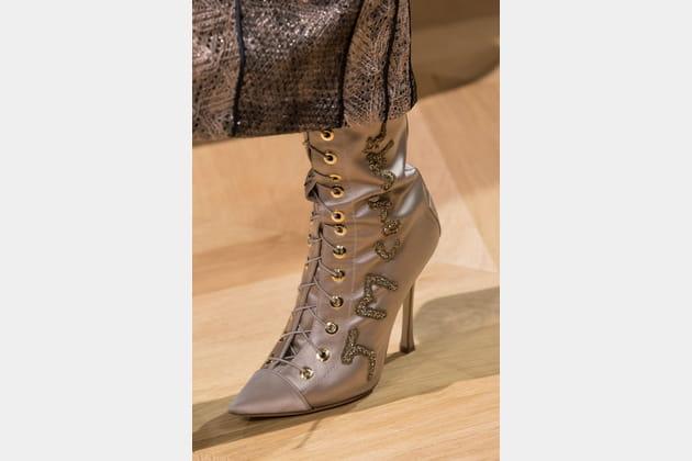 Les bottes lacées du défilé J Mendel