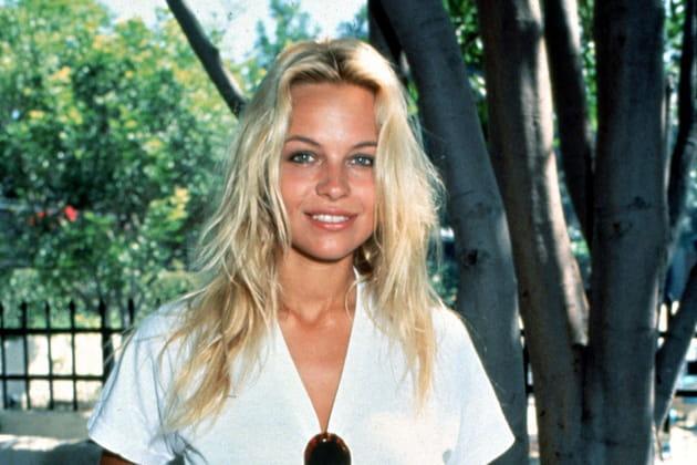 Pamela Anderson, avant