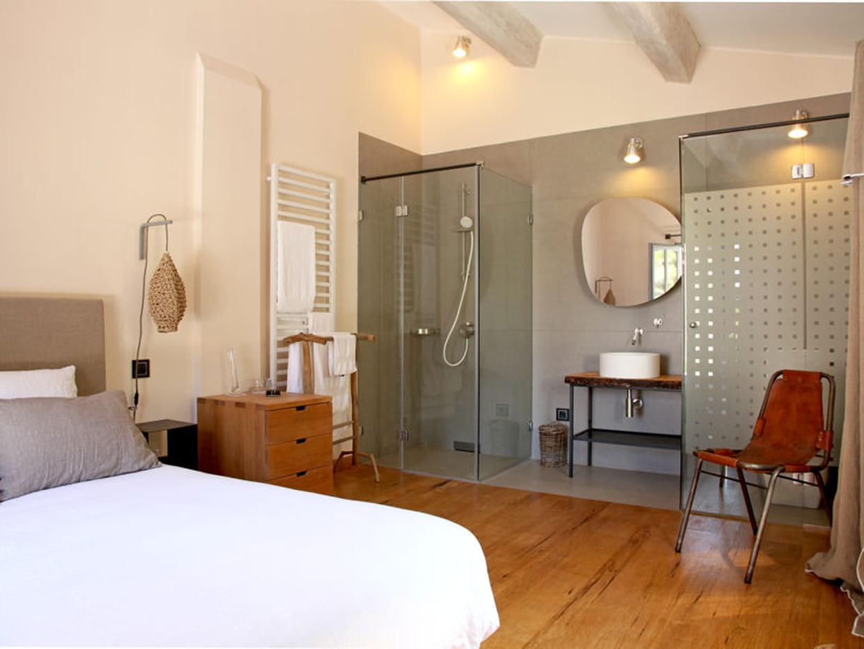 Une salle de bain avec douche l 39 italienne for Cout d une salle de bain a l italienne