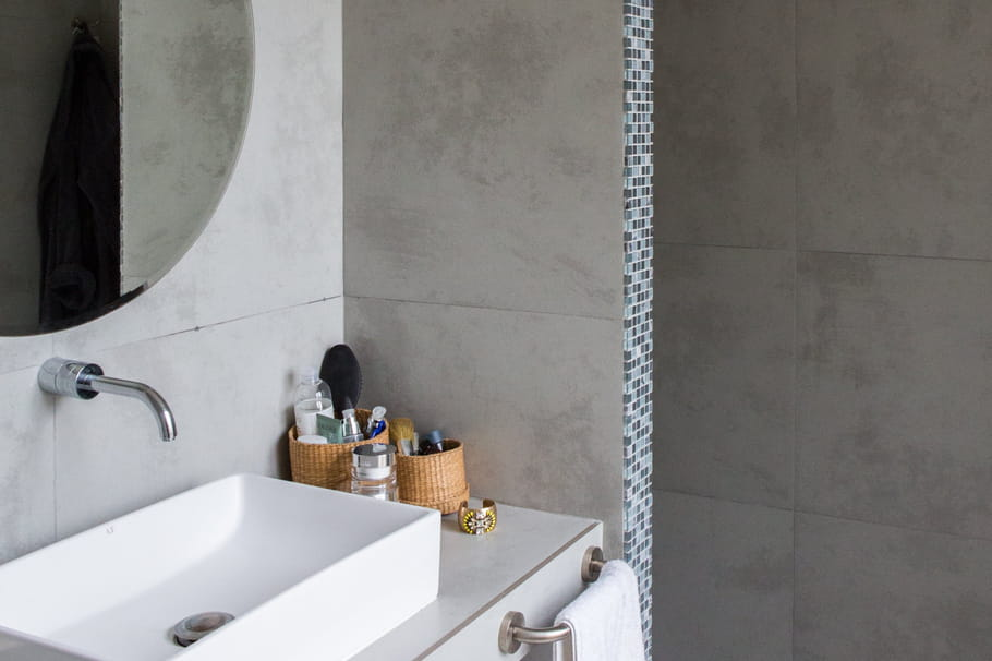 Emejing Salle De Bain Sol Gris Fonce 2 Ideas - Home Decorating ...