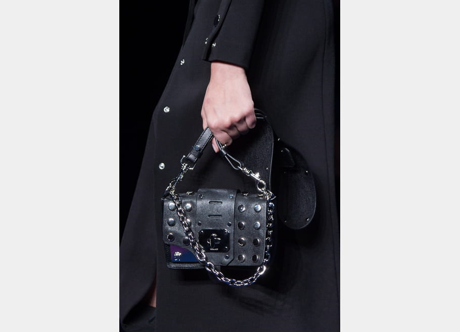 Versace (Close Up) - photo 26