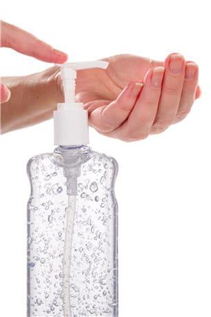 les gels sont à utiliser uniquement lorsque le lavage des mains à l'eau est