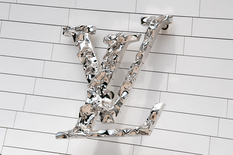 Louis Vuitton: fondateur, histoire, défilés, sacs cultes