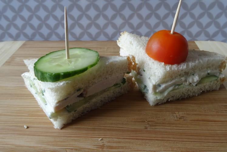 Mini sandwich poulet comcombre
