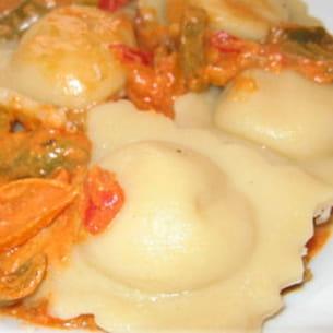 raviolis jambon ricotta sauce aux poivrons