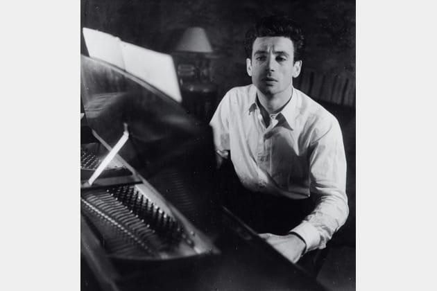 Chez Yves Montant - 21rue de Surène, octobre 1946