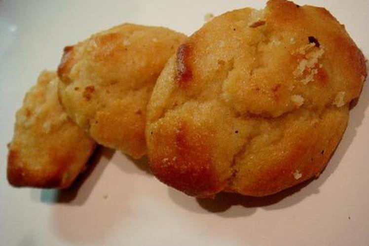 Bouchées façon madeleines à l'amande et à l'amaretto