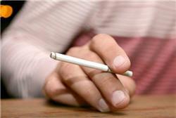 en fragilisant les parois des artères, le tabac augmente le risque de rupture