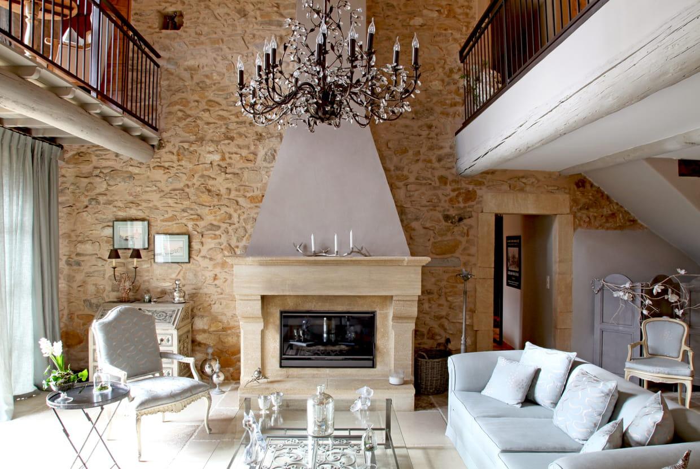 chemin e classique chic. Black Bedroom Furniture Sets. Home Design Ideas