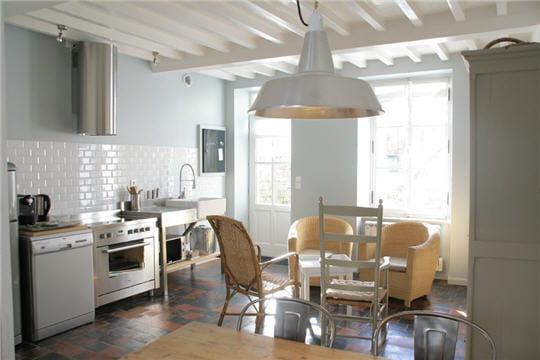 d co zen dans une maison de bord de mer. Black Bedroom Furniture Sets. Home Design Ideas