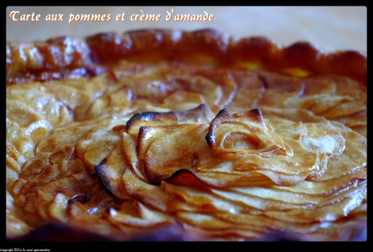 recette de tarte aux pommes cr me d 39 amande caramel sal la recette facile. Black Bedroom Furniture Sets. Home Design Ideas