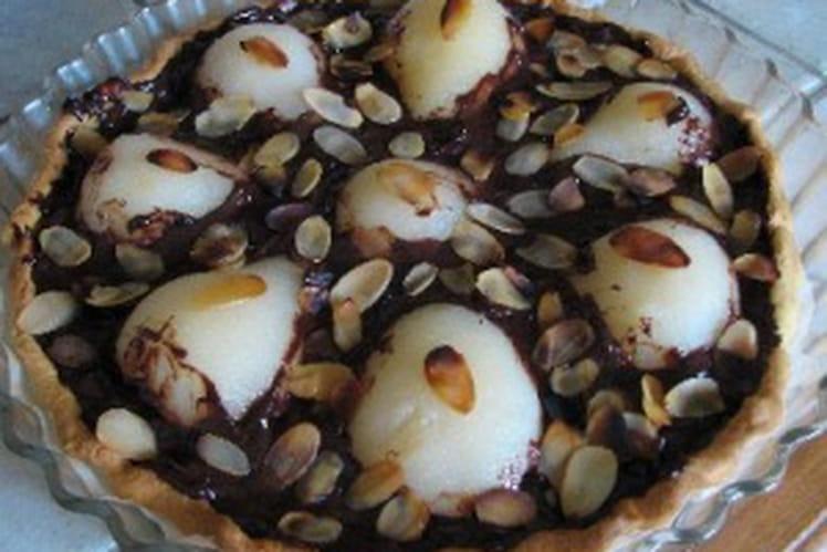 Tarte aux poires, chocolat et amandes effilées