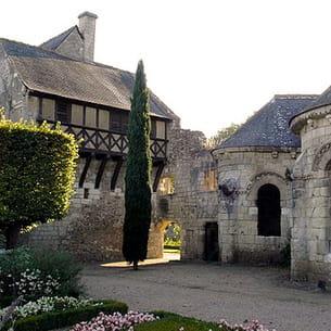 le prieuré de saint-cosme et le cabinet de travail de ronsard.
