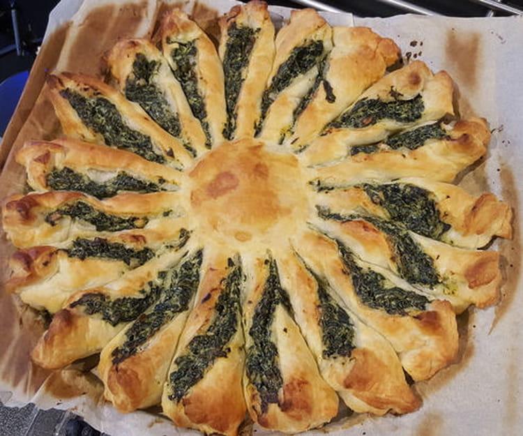 recette de tarte soleil pinards frais st moret pignons de pain la recette facile. Black Bedroom Furniture Sets. Home Design Ideas