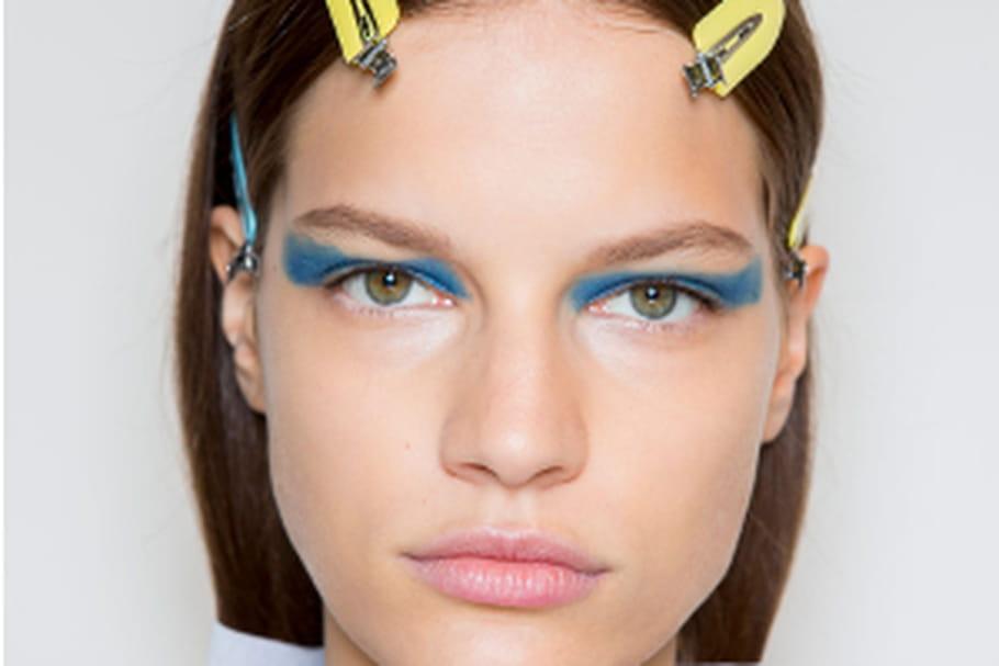 Le maquillage félin du défilé Victoria Beckham