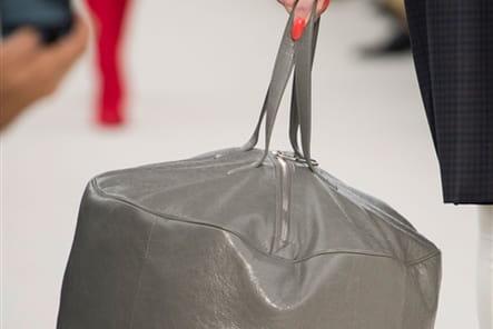 Balenciaga (Close Up) - photo 11