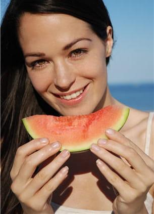 la pastèque, un fruit parfait pour la plage !