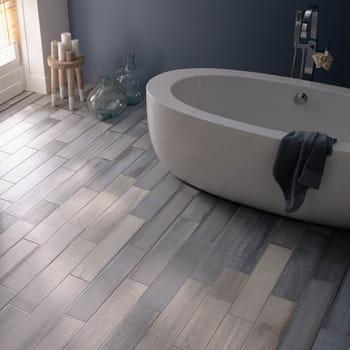 un carrelage imitation bois chez castorama. Black Bedroom Furniture Sets. Home Design Ideas