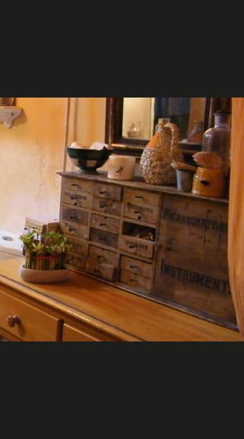 Solution n° 18 : chiner des petits meubles de métier