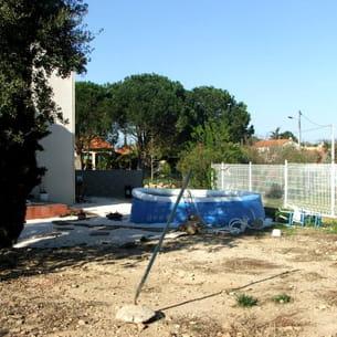 en attendant la création du jardin de leur rêve, les propriétaires des lieux
