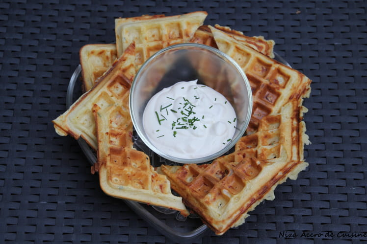 Gaufres jambon fromage et sauce au fromage blanc
