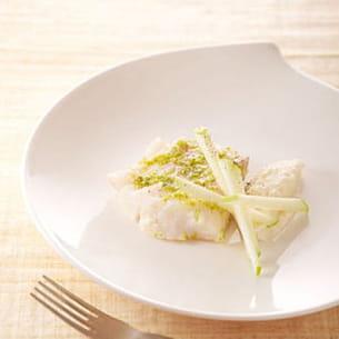 skrei de norvège confit à l'huile de citron, sauce acidulée