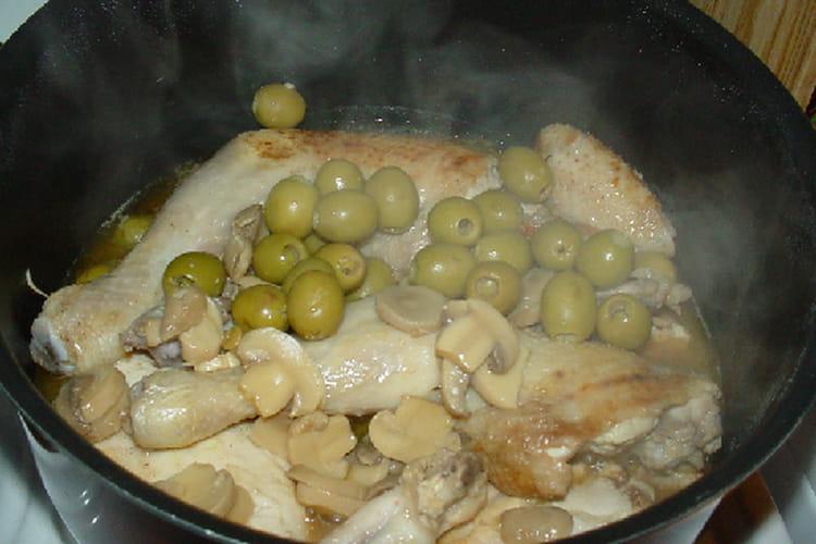 Poulet au citron, olives et champignons de Paris