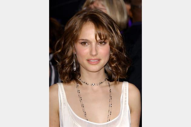 Natalie Portman avec les cheveux bouclés