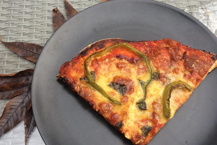 Pizza aux poivrons et viande des grisons