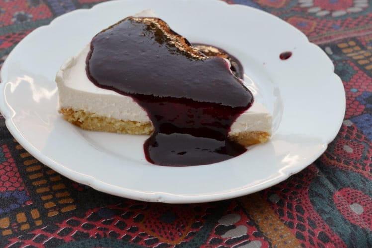 Cheesecake et coulis aux fruits des bois