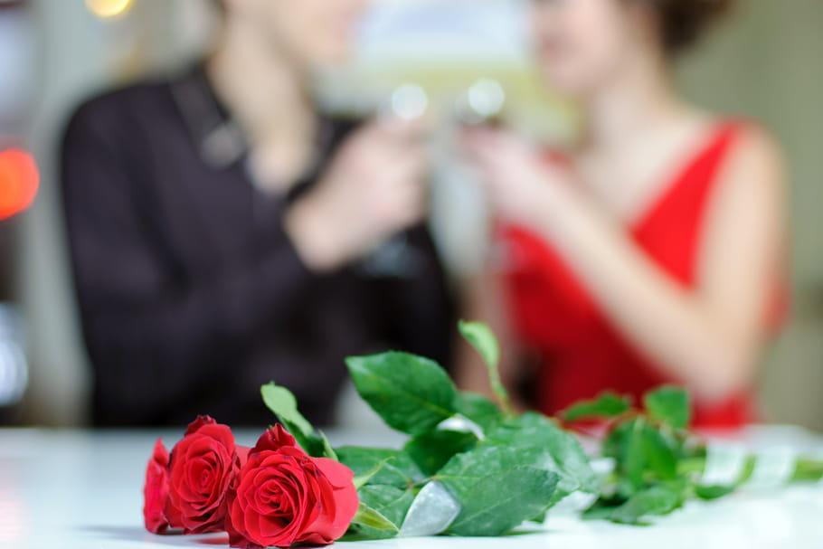 Repas de Saint-Valentin: simple à la maison ou pas cher au restaurant