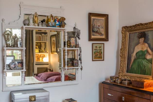 Une étagère-miroir de caractère