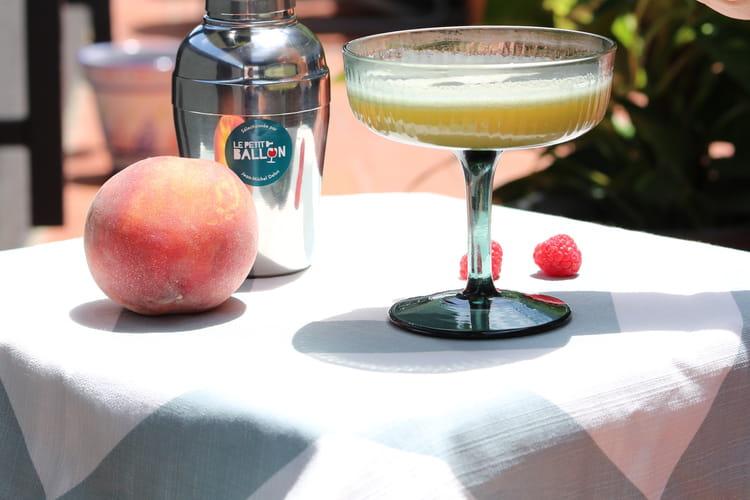 Cocktail original et fruité « Roségria » au vin Rosé BIO L'Avis en Rose Le Petit Ballon