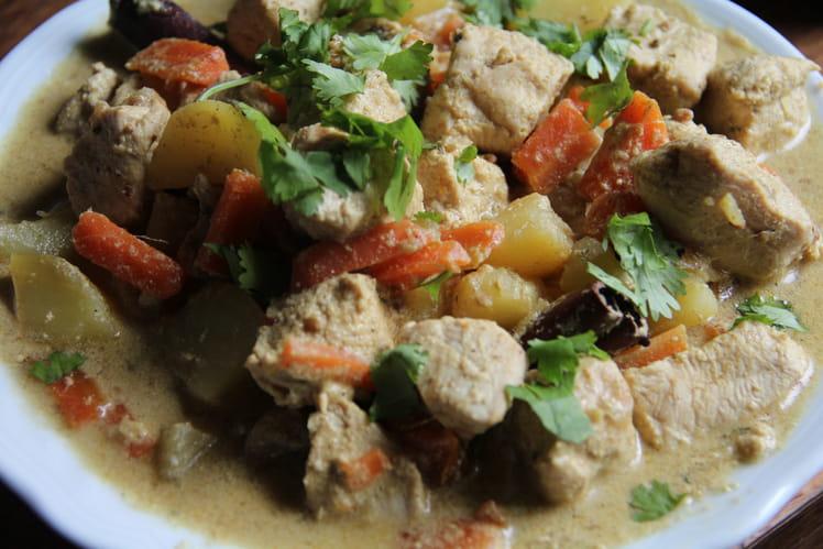 Curry doux de dinde à la cannelle