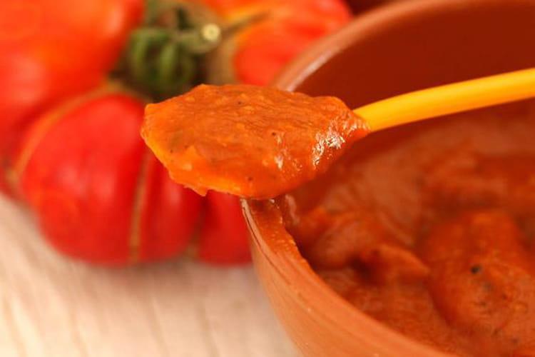 Ketchup maison aux tomates et à l'abricot