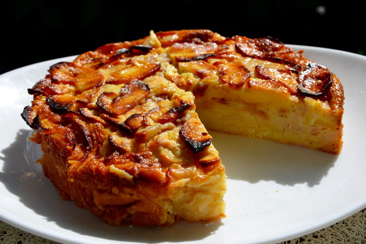 Gâteau invisible aux pommes et poires fondantes