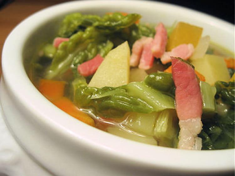 Recette de soupe au chou l g re la recette facile - Cuisine legere au quotidien ...