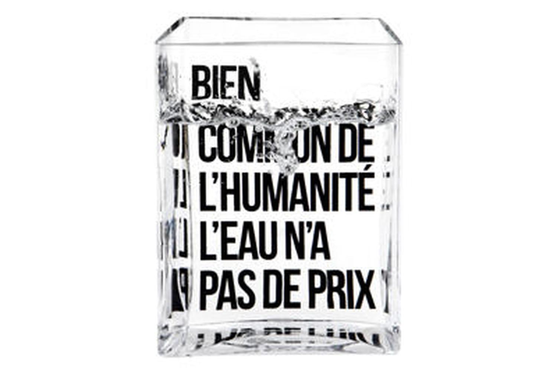 Une carafe solidaire imaginée par Philippe Starck