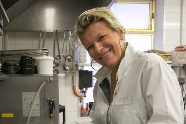"""Flora Mikula : """"Avoir une fille en cuisine était inenvisageable dans certains restaurants"""""""